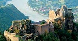 Ruine Aggstein, 16 min, 10,4 km vom Heurigen Gasthof Pammer  I Weingut Wachau entfernt