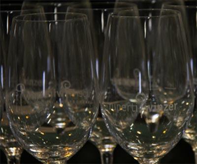Steinfeder® Federspiel® und Smaragd®, die großen Marken der Vinea Wachau prägen auch unseren Weinkeller.